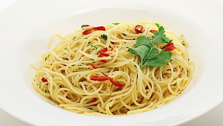 Angel hair pasta with fresh pepper sauce