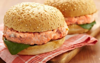 Salmon Sandwiches with Spicy Apricot Sauce