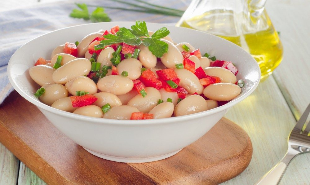 White Bean and Arugula Salad with Tomatoes