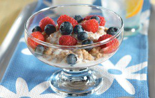 Berry Oatmeal with Vanilla Sweet Cream