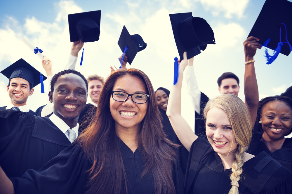Apply for a College Scholarship From the Diabetes Scholars Foundation