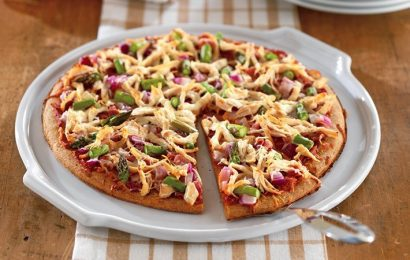 Prosciutto, Asparagus, and Chicken Pizza