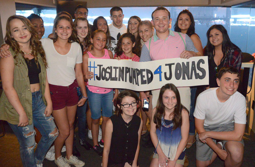 Nick Jonas Visits Kids With Diabetes From Joslin