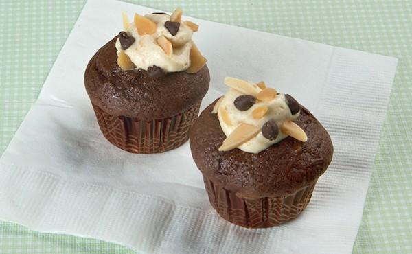 Mini Chocolate Toffee-Topped Cupcakes