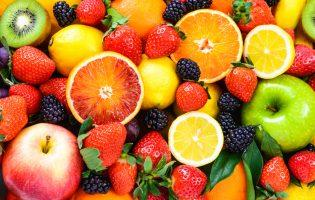 Fresh Fruit Linked to Lower Risk of Diabetes Complications