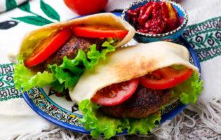 Mediterranean Turkey Burgers with Feta
