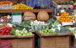 5 Farmers' Markets Tips to Make the Most of Your Budget