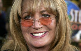 """""""Laverne & Shirley"""" Star Penny Marshall Dies at 75"""