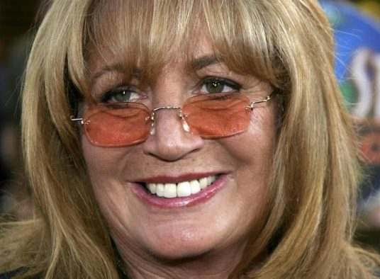 """Laverne & Shirley"" Star Penny Marshall Dies at 75"