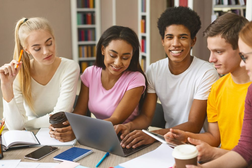 College students studying -- College and Type 1 Diabetes: Tips to Thrive