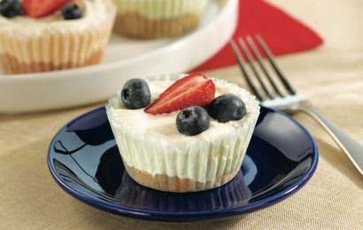 No-Bake Red, White and Blue Cheesecake Cups