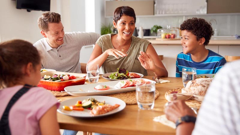 Family Meals Linked to Social and Health Benefits in Adolescents