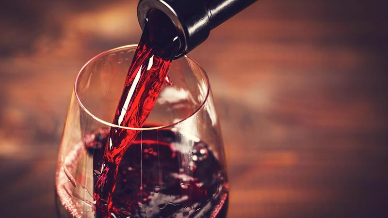 Drinking Wine in Moderation May Help Prevent Cataracts